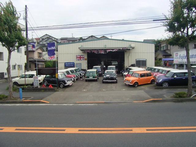 「東京都」の中古車販売店「ガレージフジックス・オート ワールド」