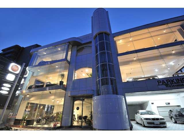 Import Luxury Car Salon  LOOP(ループ)
