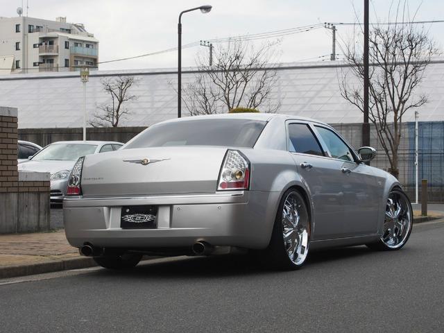 「クライスラー」「300C」「セダン」「東京都」の中古車8