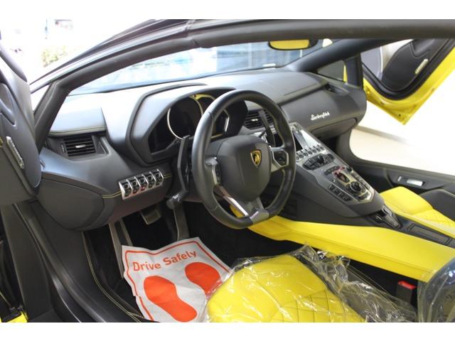 「ランボルギーニ」「アヴェンタドールロードスター」「オープンカー」「東京都」の中古車
