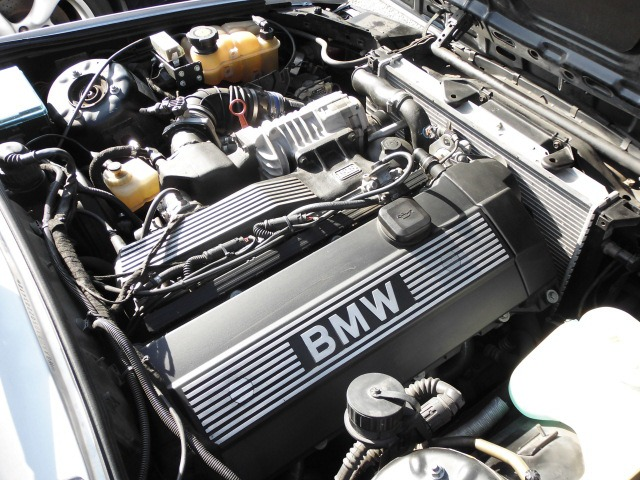 「BMW」「325i」「セダン」「愛知県」の中古車4