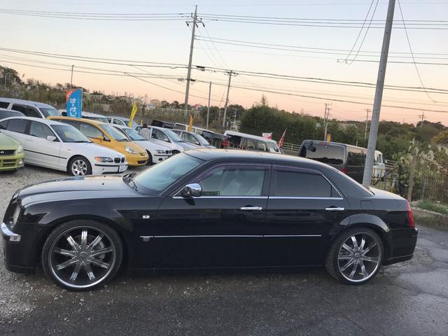 「クライスラー」「300C」「セダン」「千葉県」の中古車4