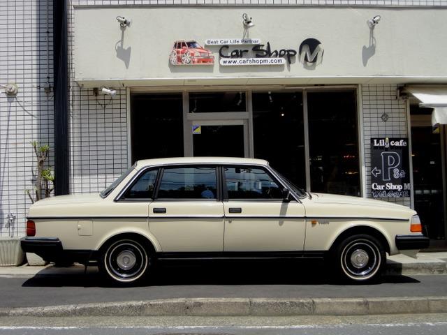 「ボルボ」「240」「セダン」「神奈川県」の中古車4
