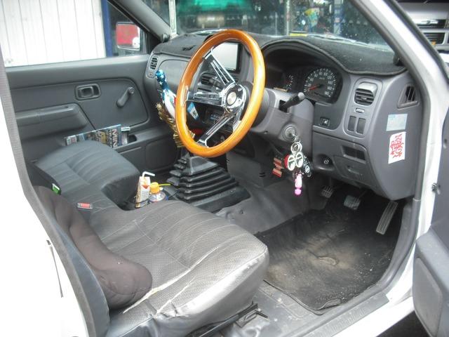 「日産」「ダットサンピックアップ」「SUV・クロカン」「福岡県」の中古車3