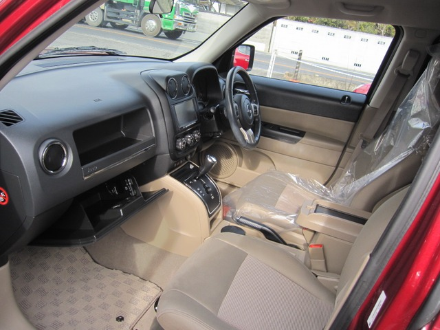 「ジープ」「パトリオット」「SUV・クロカン」「岡山県」の中古車4