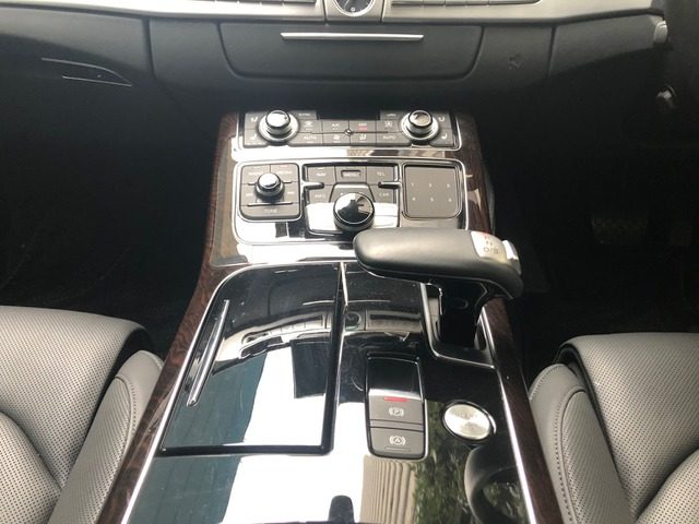 「アウディ」「A8」「セダン」「東京都」の中古車10