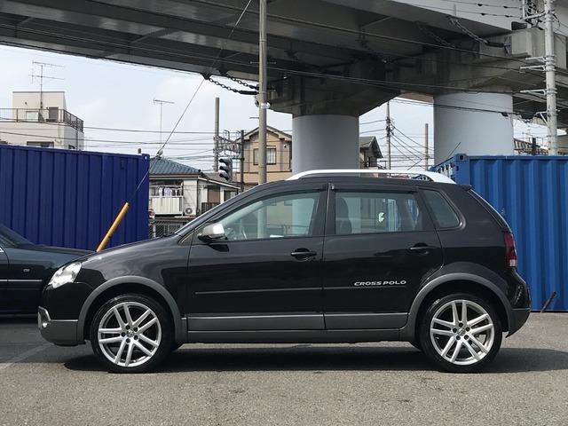 「フォルクスワーゲン」「クロスポロ」「コンパクトカー」「神奈川県」の中古車7