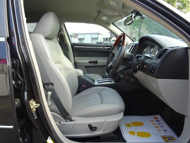 「クライスラー」「300C」「セダン」「千葉県」の中古車