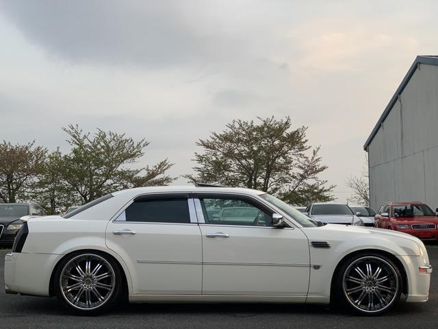 「クライスラー」「300C」「セダン」「奈良県」の中古車