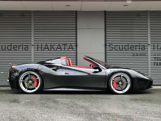 「フェラーリ」「488スパイダー」「オープンカー」「福岡県」の中古車4