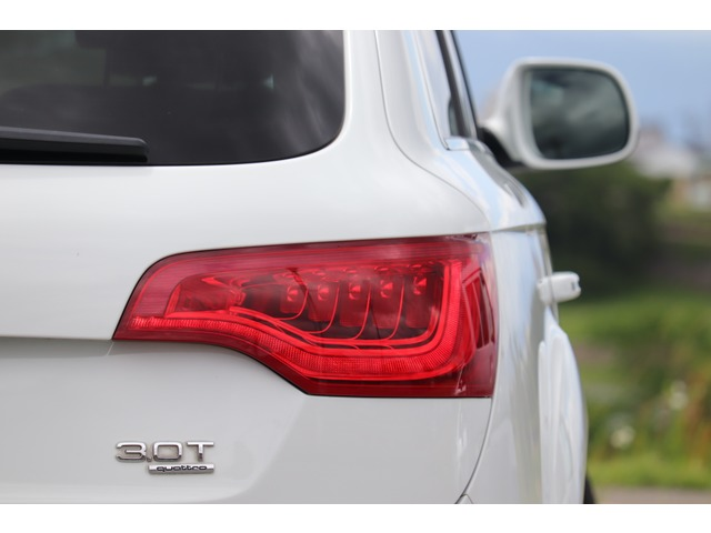 「アウディ」「Q7」「SUV・クロカン」「愛知県」の中古車9