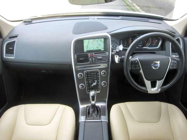 「ボルボ」「XC60」「SUV・クロカン」「大阪府」の中古車4
