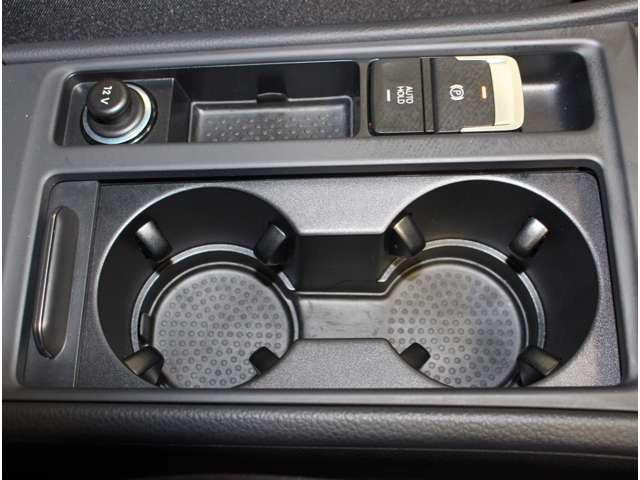 オートホールド機能付き、電動サイドブレーキ。