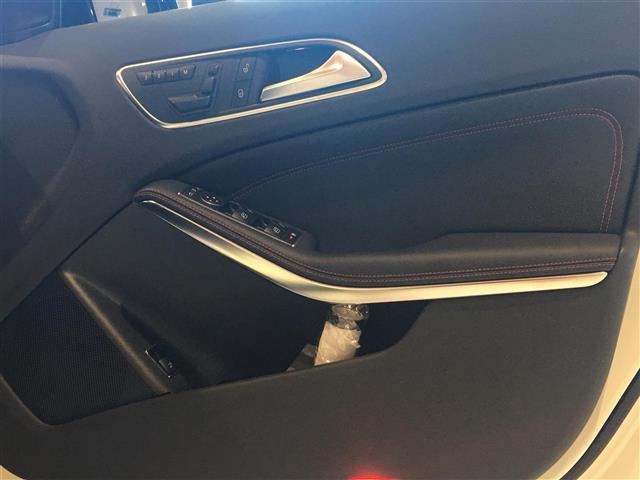 「メルセデスベンツ」「AMG GLA45」「SUV・クロカン」「全国対応」の中古車