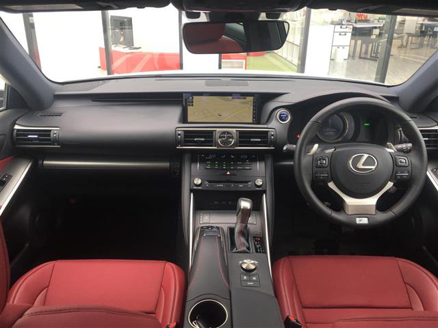 「レクサス」「IS300h」「セダン」「全国対応」の中古車