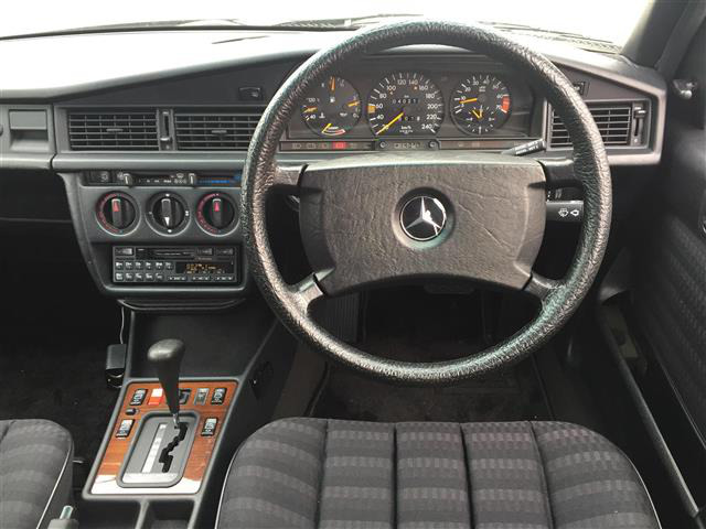 「メルセデスベンツ」「190E」「セダン」「全国対応」の中古車