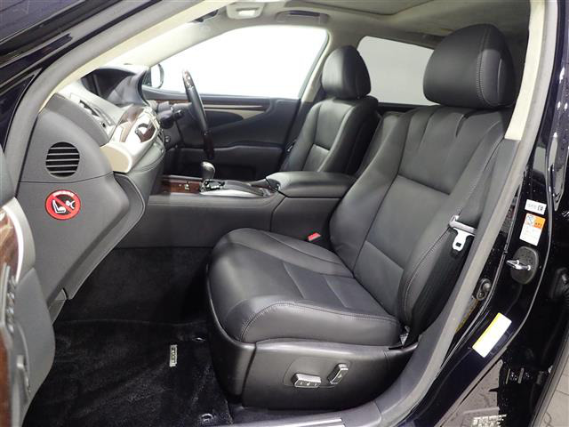 「レクサス」「LS600hL」「セダン」「全国対応」の中古車4