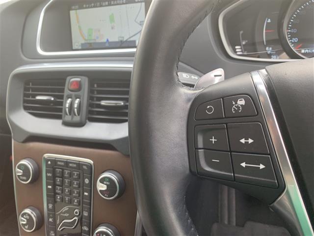 「ボルボ」「V40クロスカントリー」「ステーションワゴン」「全国対応」の中古車