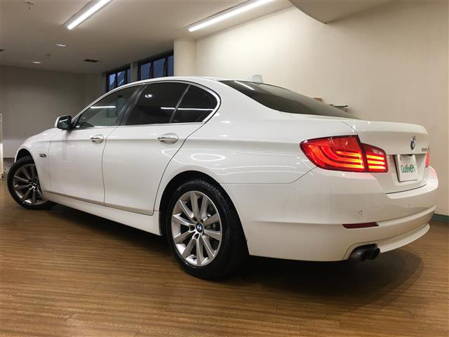 「BMW」「528i」「セダン」「全国対応」の中古車