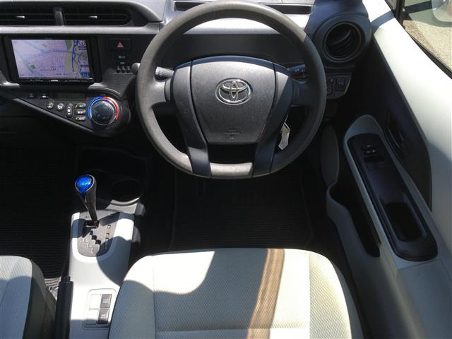「トヨタ」「アクア」「コンパクトカー」「全国対応」の中古車7