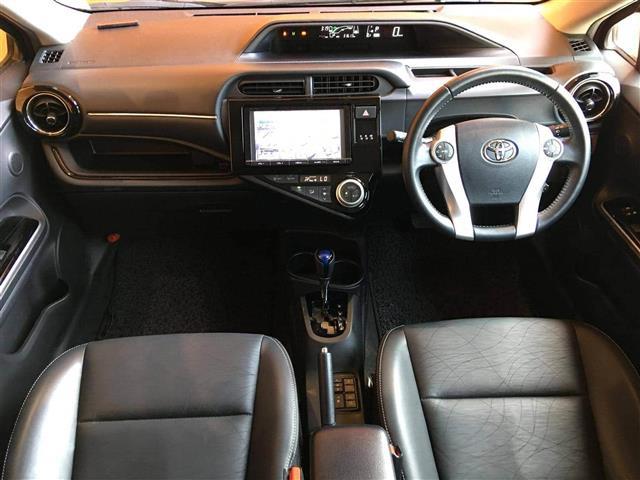 「トヨタ」「アクア」「コンパクトカー」「全国対応」の中古車4