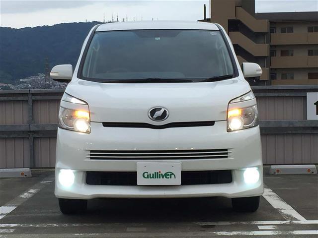「トヨタ」「ヴォクシー」「コンパクトカー」「全国対応」の中古車4