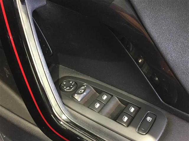 「プジョー」「208」「コンパクトカー」「全国対応」の中古車7