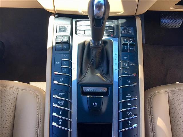 「ポルシェ」「マカン」「SUV・クロカン」「全国対応」の中古車5