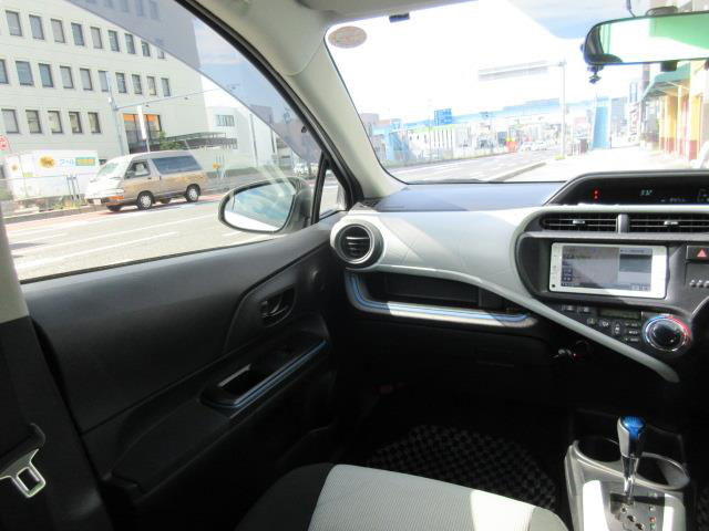 「トヨタ」「アクア」「コンパクトカー」「全国対応」の中古車10