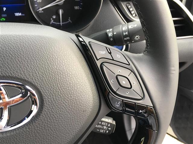 「トヨタ」「C-HR」「SUV・クロカン」「全国対応」の中古車8