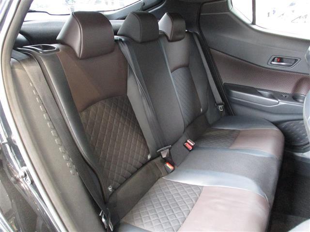 「トヨタ」「C-HR」「SUV・クロカン」「全国対応」の中古車7