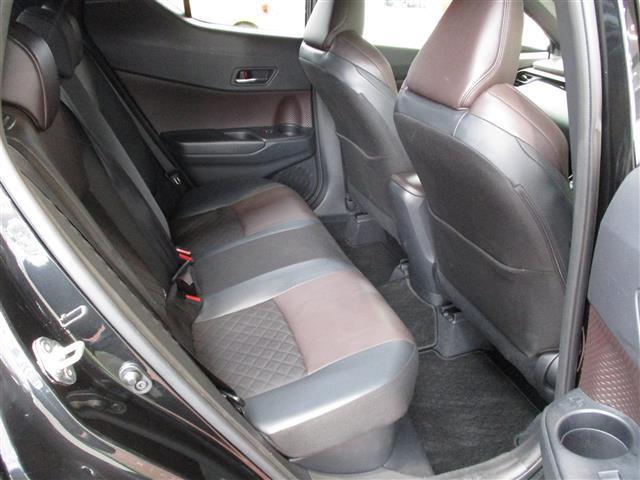 「トヨタ」「C-HR」「SUV・クロカン」「全国対応」の中古車6