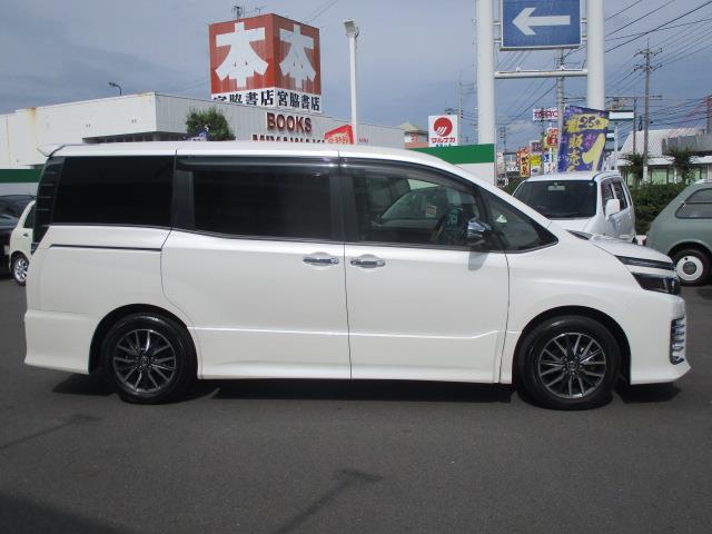 「トヨタ」「ヴォクシー」「軽自動車」「全国対応」の中古車8