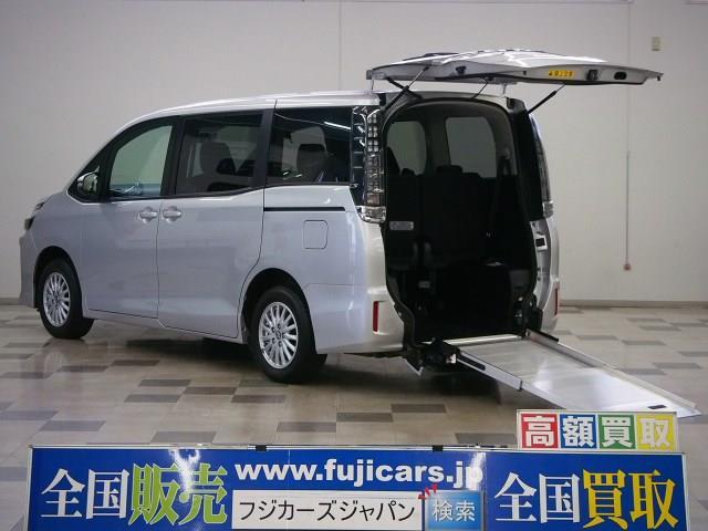 ヴォクシー(トヨタ) 2.0 X ウェルキャブ スロープタイプI 車いす2脚仕様 4WD 中古車画像